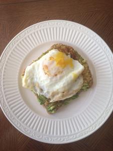 avocado-egg-toast-the-balanced-dietitian1